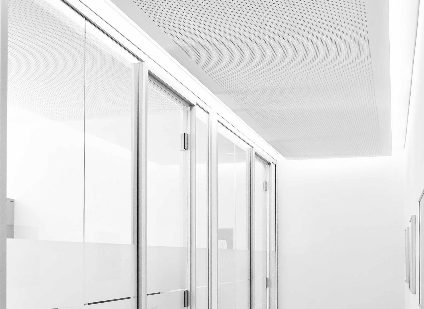 Office-Innenansicht-Gang